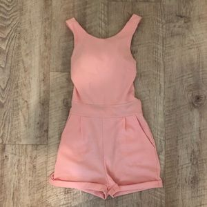 NWOT Made in Italy Backless Romper💕 (Size Small)